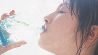 夏バテ解消に効くドリンク5選! おいしく水分補給【オフィス・ご自宅・入浴時・運動のあと・快眠に】 | 夏バテに効く飲み物